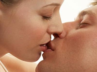 Tư thế quan hệ vợ chồng với chiếc ghế, tư thế qhtd, tư thế quan hệ vợ chồng, làm tình, chuyện ấy, chiếc ghế