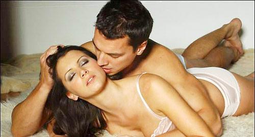 Đê mê với tư thế úp thìa, tư thế qhtd, vợ chồng, quan hệ tình dục, làm tình, ân ái, giao hợp. chuyện ấy, cực khoái, đê mê