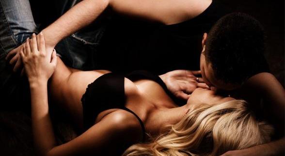 Tư thế  cưỡi ngựa, tư thế qhtd, quan hệ vợ chồng, chuyện ấy, cách làm tình, giao hợp