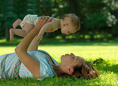 trẻ còi xương do thiếu vitamin D, canxi