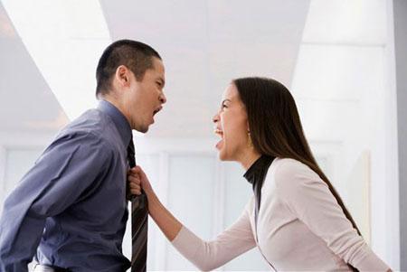 Lý do đàn ông thường ghen tỵ với phụ nữ