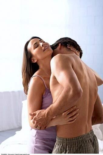 Tư thế quan hệ vợ chồng với trái bóng, tư thế qhtd, làm tình, chuyện ấy, ân ái