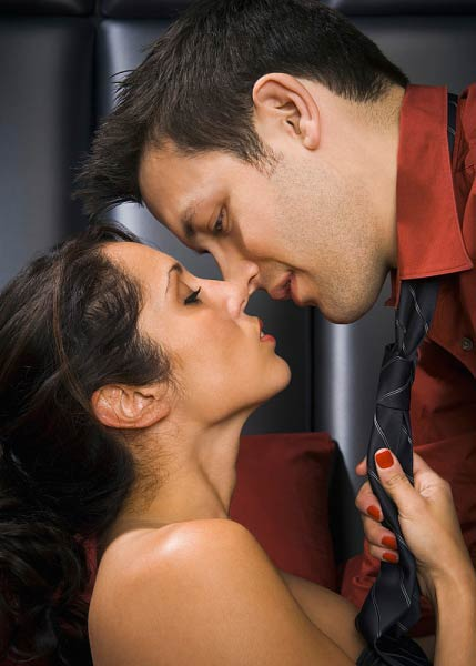 Tư thế làm tình trong những không gian hẹp, tư thế qhtd, tư thế quan hệ vợ chồng, làm tình, quan hệ tình dục, chuyện ấy
